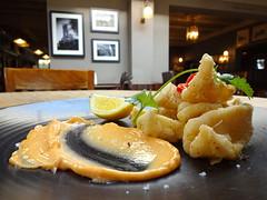 Salt & pepper squid at the Rose & Crown, Ealing, London W5 (Kake .) Tags: ealing london tubewalk tubewalk141 w5 food lunch