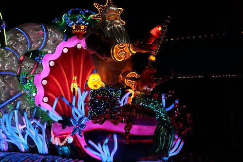 "The Little Mermaid - Paint the Night Parade • <a style=""font-size:0.8em;"" href=""http://www.flickr.com/photos/28558260@N04/32177221218/"" target=""_blank"">View on Flickr</a>"