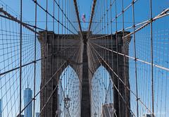 Rêve et liberté ? (Papayankee33) Tags: architectureetbatiments batiments brooklynbridge gratteciel newyorkcity nikon24120mmf4gvr nikond750 pont