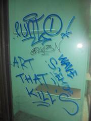 815 (en-ri) Tags: punto l13n tag blu arrow torino wall muro graffiti writing vetrinetta art that kills wave scemoe