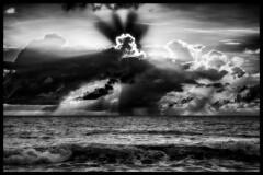 Black & White Sunset over the ocean / Черно-белый закат над океаном (dmilokt) Tags: природа nature пейзаж landscape море sea пляж beach dmilokt закат рассвет восход sunset sunrise чб bw черный белый black white облако cloud небо sky nikon d850