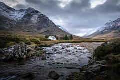 House in Glencoe (Evo800) Tags: scotland glencoe river mountains heather glen rocks house sky nikon 2019