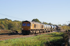 Guildford UK     2018 (keithwilde152) Tags: br class 667 66723 tnt 66729 guildford chilworth north downs surrey hills tracks landscape countryside rhtt railhead treatment train diesel locomotives outdoor autumn sun
