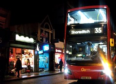 London Central MHV16 on route 35 Clapham Junction 08/12/18. (Ledlon89) Tags: bus buses london transport tfl transportforlondon londonbus londonbuses londontransport central londoncentral goaheadlondon goaheadgroup evoseti volvo claphamjunction clapham