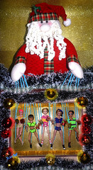 👬💖As marionetes do Noel🎅 🎄 (FranBoy Monteiro) Tags: doll dolls toy toys boneco bonecos boneca bonecas cute pretty beauty love amor fashion fashionista fashionistas moda outfit clothes look model models gay gayguy guy boy fun diversão cool handsome awesome barbie ken green red golden merrychristmas xmas christmas natal feliznatal feliz navidad feliznavidad noel papainoel liv livdoll jack integritytoys integrity fashionroyalty royalty everafterhigh eah everafterhighdoll prince principe princedoll santa claus