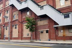 Xx_P1050765 (Menny Borovski) Tags: brooklynnavyyard industrialpark brooklyn newyork