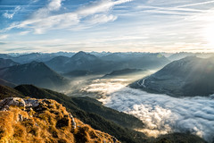 Talkessel von Reutte im Nebel vom Säuling (stefangruber82) Tags: alpen alps tirol tarol fog nebel mountains berge talkessel valley fall herbst sonnenstrahlen sunray