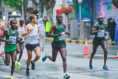 LD4_8733 (晴雨初霽) Tags: shanghai marathon race run sports photography photo nikon d4s dslr camera lens people china weekend november 2018 thousands city downtown town road street daytime rain staff