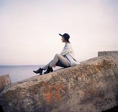 img012 (Leon-ars) Tags: portrait girl beauty film mediumformat 120film 6x6 yashica autumn portra kodak analog color