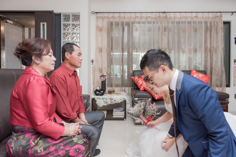 台南東東宴會式場 婚宴 走在幸福的紅毯上 R & B 053
