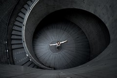 Awesome aura (sKame-rameha) Tags: aura woman spiral stairs pupil people museum architecture human street traveller