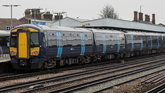 375814 (JOHN BRACE) Tags: 2003 bombardier derby built electrostar class 375 emu 375814 seen tonbridge station southeastern blue livery