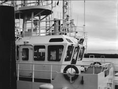tug (ludob2011) Tags: tugboat remorqueur tug boat ship bateau port harbour brest