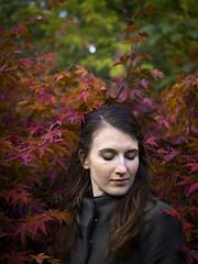 Gerdy, Amsterdam 2018: Pensive brunette (mdiepraam) Tags: gerdy amsterdam 2018 amstelpark japanesegarden acer portrait pretty dutch brunette girl naturalglamour coat