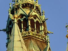 Morgenspaziergang: der neugotische Bau wurde 1894 bis 1900 errichtet. Auf den 61 m hohe Turm führen 161 Stufen, er wurde nach dem Vorbild der berühmten Stadttürme in Flandern angelegt. (R.S. aus W.) Tags: europa europe deutschland germany niedersachsen lower saxony braunschweig brunswick besuch herbst morgen morgenspaziergang spaziergang stadt city urban visitor besucher alt old history historisch