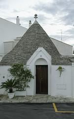 Puglia 2016-38 (walter5390) Tags: puglia apulia italia italy south sud alberobello trulli stone house cones meridione meridionale architettura architecture