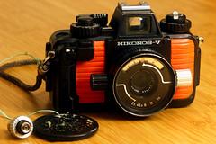 Heavy Duty (mkk707) Tags: nikonosv nikonos nikon vintagelens vintagefilmcamera leicabellowsr canoneos600d leica100mmf4macroelmarr