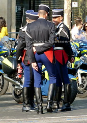 "bootsservice 18 800847 (bootsservice) Tags: armée army uniforme uniformes uniform uniforms bottes boots ""ridingboots"" moto motos motorcycle motorcycles motard motards biker motorbike gants gloves gendarme gendarmes ""gendarmerienationale"" parade défilé ""14juillet"" ""bastilleday"" ""champselysées"" paris"