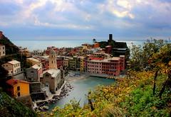 Vernazza (annalisabianchetti) Tags: vernazza cinqueterre liguria italy village villaggio houses case colors paesaggio landscape travel beautiful beauty