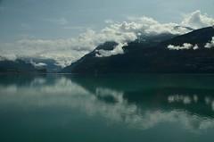 verdelago (robra shotography []O]) Tags: svizzera switzerland brienz bernese clouds green lake reflection oberland holiday sooc