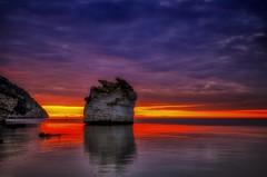 Attese (Gio_guarda_le_stelle) Tags: sunrise alba water seascape clouds sky sun waiting quiete atmosphere italy italia puglia apuliam east oriente i 4x4 saturo paesaggio mare seacsape