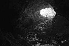 Joana fazendo Yoga (mcvmjr1971) Tags: yellow nikon d800e lens sigma 2435mm art f20 caverna gruta spar marica brasil 2019 mmoraes trilha subsolo silhueta luz sombra outdoor underground yoga