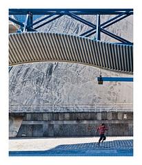 top départ (Marie Hacene) Tags: lavillette paris enfant course architecture rue street