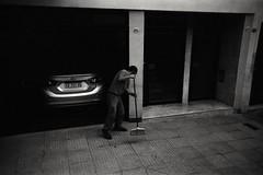 portero (Julian Ortiz photography) Tags: singleuse argentina buenosaires ilford ilfordhp5 analog believeinfilm film filmisnotdead filmphotography street streetphotography
