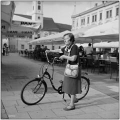 Lonely (Koprek) Tags: rolleiflex28f fomapan 100 film 6x6 analog september 2018 120 streetphotography stphotographia varaždin croatia
