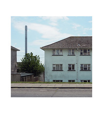 chimney view (chrisinplymouth) Tags: flats block apartment roof chimney barnebarton plymouth devon england uk city housingestate socialhousing cw69x wb xg