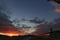 Späte Abendlandschaft (Rolf Pahnhenrich) Tags: sonnenuntergang landschaft sunset abend wolkenhimmel wolken abendhimmel rolfpahnhenrich canoneosdigital