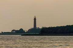 Leuchtturm Flügge (Re Ca) Tags: deich fehmarn flügge flüggerleuchtturm leuchturm lighthouse norddeutschland ostholstein ostsee ostseeinsel schleswigholstein travel traveling urlaub
