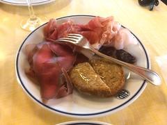 Aosta A038. (Joanbrebo) Tags: food comida menjar italia valledaosta iphonex iphone365 lillaz
