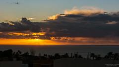 Atardecer. (AGONZA) Tags: mallorcamediterráneo color agonza nubes siluetas agua mar