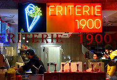 Nighthawks (iwys) Tags: friteries 1900 belgian fries ketchup varieties customers chef restaurant window knight scene bruges neon chips frying edward hopper style nighthawks atmospheric fast food worker