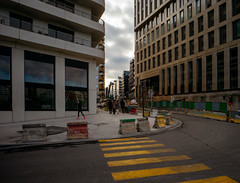 fluo shoes (paologmb) Tags: bouygues batignolles arquitectura building archilovers facade baumschlagereberle clichybatignolles 17éme urban paris scape leicamtyp240 future ludovicadifalco architravel archdaily arcchilovers europaconcorsi divisare yellow shoes nike fluo running freedom woman jogging city life