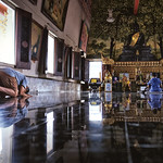 Prayer at Wat Dhammamongkol thumbnail
