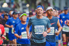 LD4_9707 (晴雨初霽) Tags: shanghai marathon race run sports photography photo nikon d4s dslr camera lens people china weekend november 2018 thousands city downtown town road street daytime rain staff