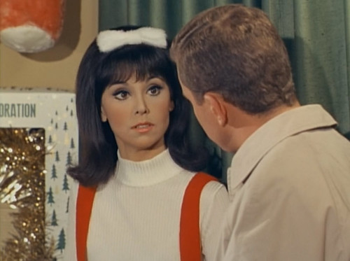 "Marlo Thomas, Ted Bessell, That Girl, ""Christmas and the Hard-Luck Kid,"" 1966"