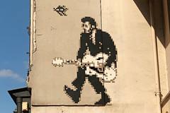 Paris 6ème (PA_1350) (Meteorry) Tags: europe france idf îledefrance paris spaceinvader spaceinvaders invader invaderwashere tiles carrelage carreaux mur wall street rue art artderue pixels pa1350 rockandroll rocknroll chuckberry mosaïques dedication duroc ruedesèvres guitar guitare music june 2018 meteorry
