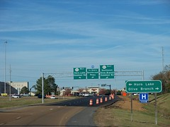 More road photos! (Please, hold your groans) (Retail Retell) Tags: interstate 55 i55 goodman road interchange construction turn lane onramp offramp reconfiguration slotted curbs barricades traffic control devices new layout arrangement setup southaven ms exit desoto county mdot horn lake highway hwy 302 east west