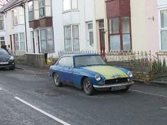 MG B GT (Andrew 2.8i) Tags: classic classics carspotting spotted spotting street car cars streetspotting british hatch hatchback sports sportscar bl gt mgb b mg uk unitedkingdom