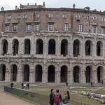 Die Ruinen des Teatro di Marcello in Rom thumbnail