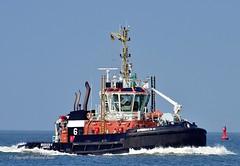 Bugsier 6 (Bernhard Fuchs) Tags: boat hafenschlepper nikon schiffe schlepper ship ships tug elbe bugsier cuxhaven vessel water boot schiff