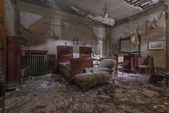 Sisters (Leonardo Fazio) Tags: bedroom bed collapsed photography nikon abandon abandoned lost forgotten forgot decay urbanexploration exploration urbexer ubex