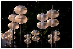 Lampen – lamp (frodul) Tags: ausenansicht detailaufnahme konstruktion kreis linie outdoor münchen strase lampe laterne baum grün bayern deutschland licht kaufingerstrase lamp light