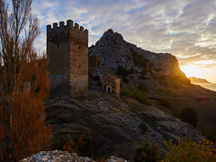 Башня Фредерико Астагвера в Судаке (zaxarou77) Tags: frederico astagwera tower sudak ancient architecture landscape down sunset crimea nature color light olympus omd em1 mark ii markii micro zuiko mzuiko 1240 1240mm f28 28 pro