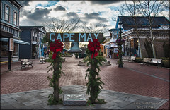Christmas Eve in Cape May (scottnj) Tags: 365the2018edition 3652018 day358365 24dec18 christmas christmasdecorations cape may nj newjersey scottnj scottodonnellphotography merrychristmas