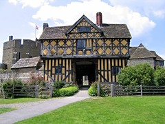 Stokesay Castle (Seventh Heaven Photography *) Tags: shropshire nikon d3200 stokesay castle craven arms building architecture grass lawn trees house timber framed sky