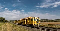 074_2018_09_28_Retzbach-Zellingen_DB_Bahnbau_Gruppe_USM_651_Stopf-_und_Schotterplaniermaschine_SSP_922_YELLOW_SUBMARINE ➡️ Würzburg (ruhrpott.sprinter) Tags: ruhrpott sprinter deutschland germany allmangne nrw ruhrgebiet gelsenkirchen lokomotive locomotives eisenbahn railroad rail zug train reisezug passenger güter cargo freight fret retzbachzellingen bayern unterfranken mainspessart brll byb db dbcsc dispo egp eloc hctor lm loc meg mt nesa öbb pkpc rhc rpool rtb sbbcargo slg setg xrail 0425 1016 1116 1211 1293 3364 5370 6139 6143 6145 6152 6155 6182 6185 6186 6187 6193 8170 logo natur outddor graffiti